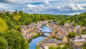 beautiful towns and villages in brittany official website for
