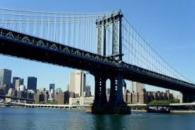 A train with mechanical problems on the Manhattan Bridge disrupted trains between boroughs  the MTA