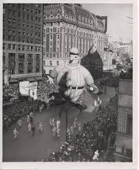 thanksgiving reason for its celebration miracle on 34th street u0027 gets a throwback parade balloon for its