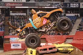 monster jam trucks 2014 for nicole johnson scooby doo u0027s driver is no monster jam mystery