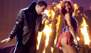 It     s Official  Drake  amp  Rihanna Are Now Dating    Exclusively        Fist     Fist In The Air drake and rihanna        w