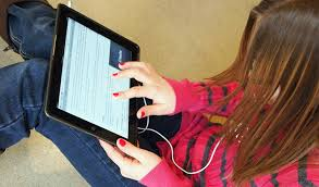 Advantages and Disadvantages of Using the Internet    IELTS Internet  Essay     IELTS Advantage
