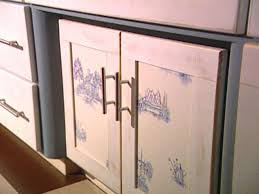 Molding On Kitchen Cabinets An Inexpensive Way To Update Kitchen Cabinets Hgtv
