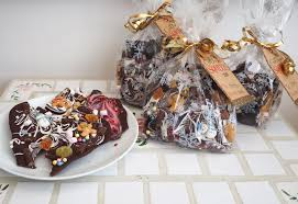 Home Made Christmas Gifts by How To Make Chocolate Bark Homemade Christmas Gifts Katie