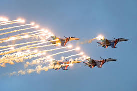 قراءة مابين سطور معرض  تشوهاى للطيران عام 2012 - صفحة 2 Images?q=tbn:ANd9GcT89kV6PGnC79mK5ZKl54qllfggLqmv3PTXvmvDR8F_6PntGZLxnQ