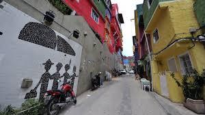 Life inside Rio's slum city - BBC News