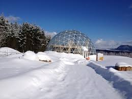 Japanese Dome House Gorgeous Solar Geodesic Dome Crowns Cob House In The Arctic Circle