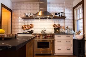 Our Favorite Kitchen Backsplashes DIY - Kitchen with backsplash