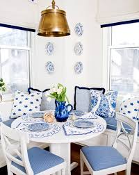 Colonial Dining Room Chairs Colonial Dining Room With Shabby Chic Style Using Distressed Slat