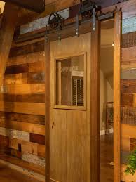 Diy Barn Doors by How To Build A Sliding Barn Door Diy Barn Door How Tos Diy