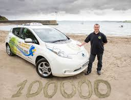 nissan leaf you plus nissan leaf taxi hits 100 000 miles still has all battery bars