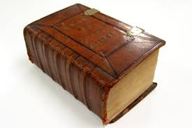 Les 400 ans de la Bible du roi Jacques (1611-2011) Images?q=tbn:ANd9GcTKT8hYavLj6gLMvFKipBLW2vrUnZ8UHcAcNm0gnOtvwaLDvSX4