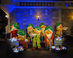mickeys not so scary halloween party 2017 to mickey u0027s very merry christmas party 2017