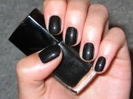 Stylish manicure manicure in black Luxury manicure lacquers of Chanel fast finish nail polish black nails black nail polish art nails