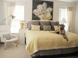 pale yellow living room walls simple yellow bedroom decorating