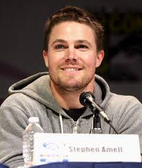 Stephen Amell by Gage Skidmore 2.jpg. Amell speaking at the 2013 WonderCon in Anaheim, California in 2013. - Stephen_Amell_by_Gage_Skidmore_2