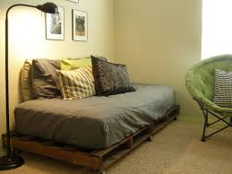 Pallets Patio Furniture - diy making your own pallet patio furniture pallet bed frames