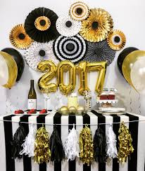 Black Blue And Silver Table Settings Black And Gold Party Table Decorations Party Deco Pinterest