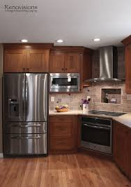 cherry cabinets in kitchen best 25 cherry hardwood flooring ideas only on pinterest