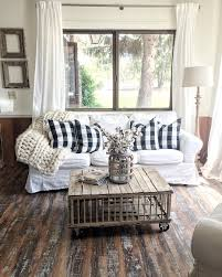 Living Room Curtain Looks Looks So Comfy And Gorgeous The Warmth Of Rustic Wood Against