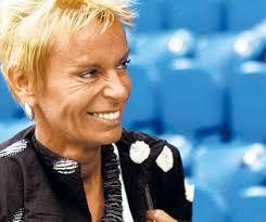 Hat trotz Fehlstarts ihrer Kicker das Lachen nicht verlernt: FCB-Präsidentin Gigi Oeri. play Hat trotz Fehlstarts ihrer Kicker das Lachen nicht verlernt: ... - Gigi-Oeri
