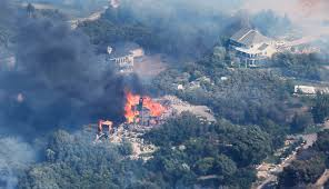 Wildfire Credit Union by 6 Structures Destroyed 619 Acres Burned After Fire Erupts In