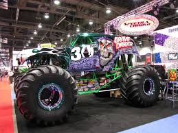racing monster trucks grave digger monster truck 4x4 race racing monster truck h
