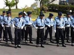 الضريس يُلبس الصغار الزي الرسمي للشرطة - مدينة افران  Images?q=tbn:ANd9GcTVnUFqBiKCyzXut9pHcetM_96ChyiQS0csParEaEzL_vLFZkIh