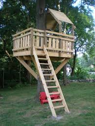 Backyards For Kids by Best 25 Simple Tree House Ideas On Pinterest Diy Tree House