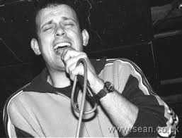 Tom Hingley performing with