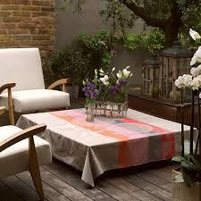 nappe ronde enduite 160 nappe enduite fleurs gourmandes lin nappes la table le