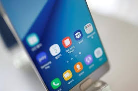 Samsung Electronics says to restart Galaxy Note   sales in South     Yahoo A Samsung Electronics amp      Galaxy Note   new smartphone is displayed at its store