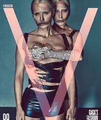 Lady Gaga mostra lado ousado em ensaio, com direito (até!) a mão ...