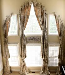 interior traditional black fabric loose curtain combined with
