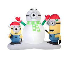 amazon com christmas inflatable minion stuart u0026 kevin building