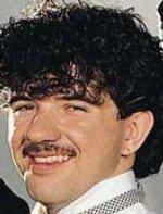 Nace Peter Gill, baterista de