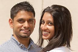 Happy Muslim couple in the summer EliteSingles