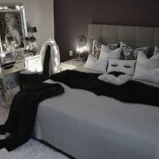 Best  Marilyn Monroe Bedroom Ideas On Pinterest Marilyn - Black bedroom designs