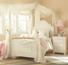 Vintage White Bedroom Furniture 19 Fabulous Canopy Bed Designs For Your Little Princess Canopy