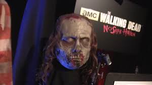 costumes halloween horror nights the walking dead costumes makeup and scare zone preview for