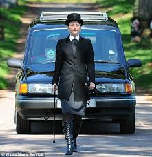 Meet Louise Ryan, who at 20 years of age is Britain\u0026#39;s youngest female funeral director. Miss Ryan, who is already leading funeral processions, ... - louise_ryan1