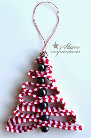 ribbon christmas trees are super cute and easy decoration star