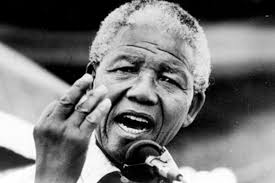 Formiche > Easy > Storia e segreti di Nelson Mandela. La rassegna stampa - Nelson-Mandela-009-602x401
