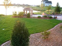 Fall Landscaping Ideas by Garden Design Garden Design With What Kind Of Landscaping For A