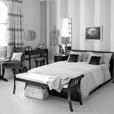 Decorating With White Bedroom Furniture Comfortable Black And White Bedroom Decorating Cute Bedroom