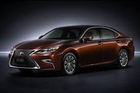 lexus is sedan 2016 2016 lexus es first look news cars com