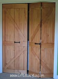 Sliding Barn Closet Doors by Best 25 Closet Door Makeover Ideas On Pinterest Door Makeover