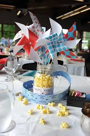 Rainbow Wedding Centerpieces by Best 25 Carnival Centerpieces Ideas On Pinterest Circus Theme