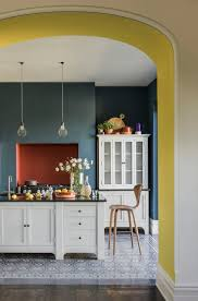Gray Color Schemes For Kitchens by Best 25 Dark Kitchens Ideas On Pinterest Dark Cabinets Dark
