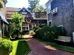 edgartown ma lodging a day trip from woods hole on cape cod